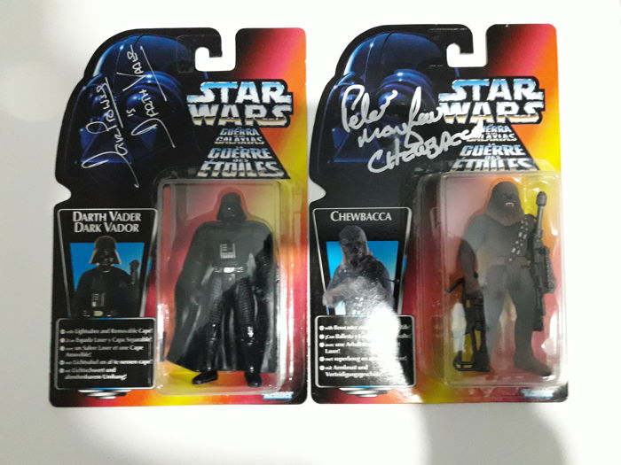 Star Wars - 2 signed figures - Darth Vader + Chewbacca.