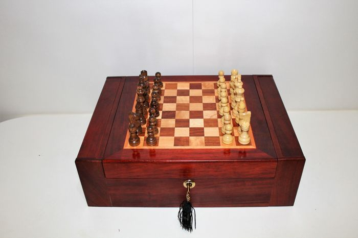 Chess in solid wood box