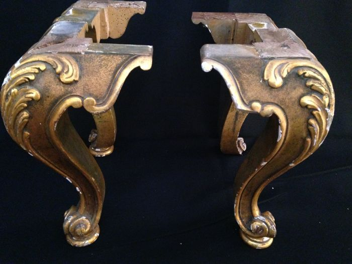 4 Antique Table Legs - Carved Wood - Gilded ( Decor Item ) - 4 Antique Table Legs - Carved Wood - Gilded ( Decor Item ) - Catawiki