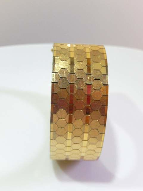 Vintage bracelet, 1950, honeycomb decoration, length: 19.5 x 2 cm –