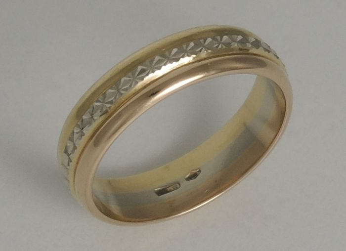18kt tri-color band ring – size 60