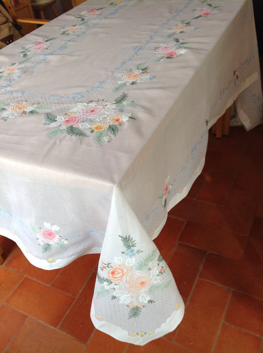 Hand-embroidered tablecloth. Lagarterano style