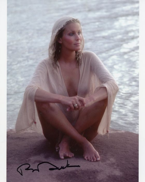 Bo Derek - Authentic Signed Autograph in Amazing Photo (20x25 cm) - With Certificate of Authenticity by Todd Mueller and 2014 Bo Derek self!!