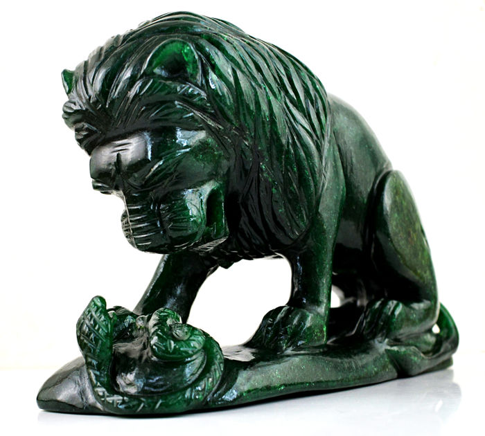 Green Jade Carved Jungle King Lion - 180x100x42 mm - 1116 gm