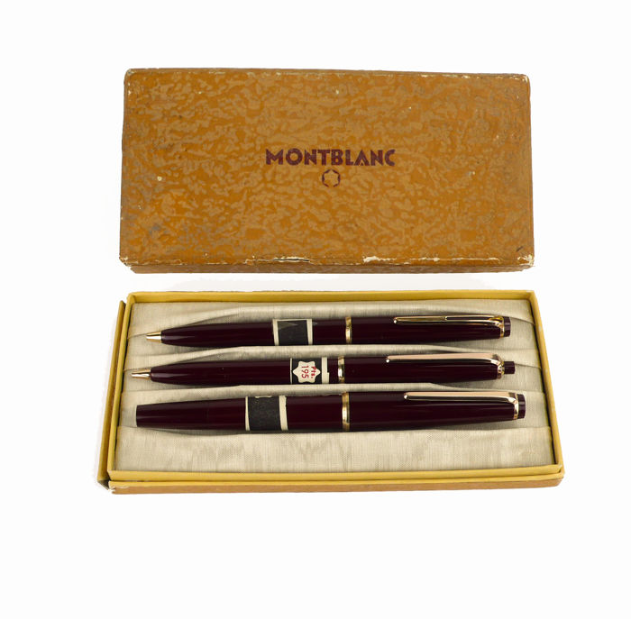 Vintage Montblanc - Set of fountain pen no. 32, propelling pencils n ° 36 and ballpoint pen no. 38 - in original box