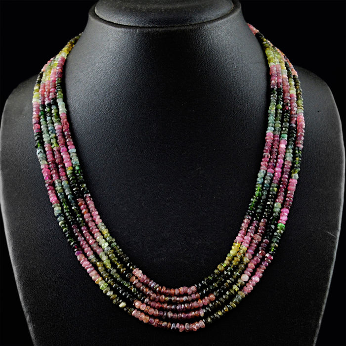 Tourmaline necklace with 18 kt (750/1000) gold Clasp, length 50cm