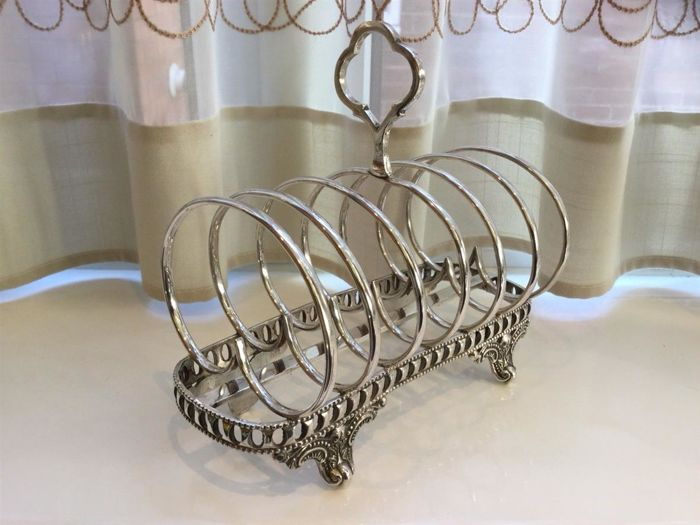 Antique Victorian toast rack with feet - English silver plated
