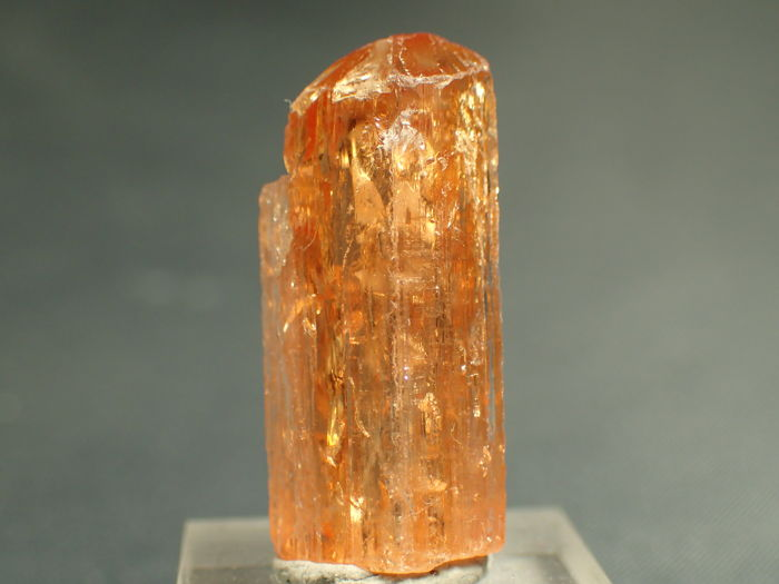 Beautifully Terminated Top Quality Imperial (Golden) Topaz Crystal - 24.46 x 11.13 x 8.66 mm - 20.80 ct