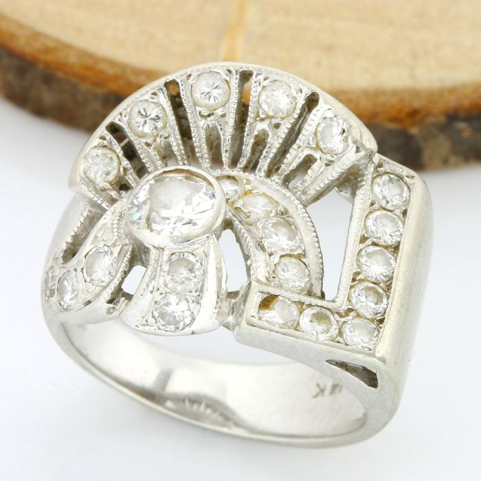 14kt White Gold 0.85 ct H-I, SI1-SI2 Diamond Ring; Size: 5