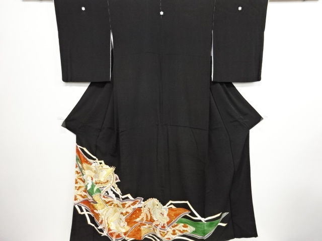 05aa608d7 Silk kuro-tomesode kimono with exquisite embroidery decoration of Phoenix  patterns - Japan - Mid