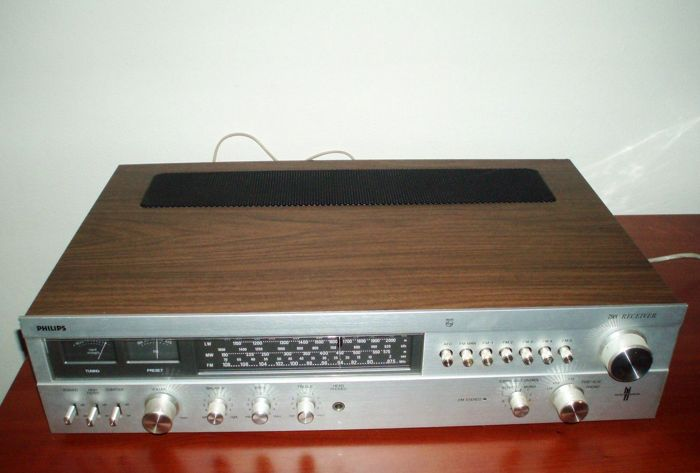 Philips 793 receiver,- type 22AH 793/00