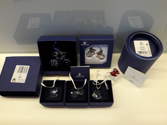Swarovski (6) collection of Christmas ornaments FIR Angel Comet 601490 601491 601494 gift 5223258 and mittens ornament twinkling-mittens 1006038 and sparkling stars of Twinkling stars 863438