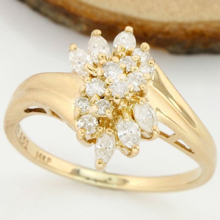 No Reserve Price - 14kt Yellow Gold 0.60 ct H-I, SI1-SI2 Diamond Ring; Size: 8