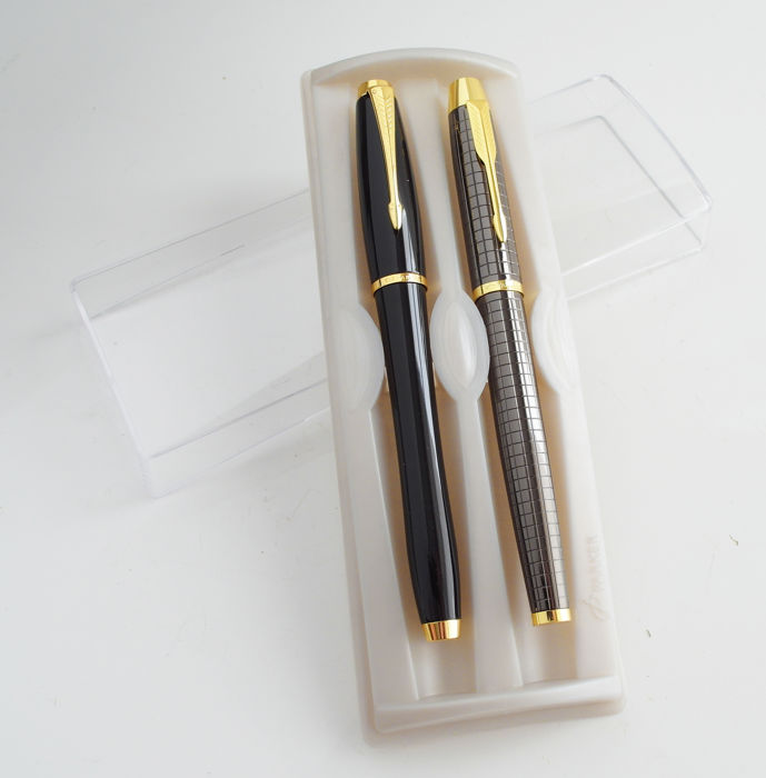 Parker: 2 luxury roller ball: high-gloss black and anthrazit with gold plated parts, with Parker gift box (P249)