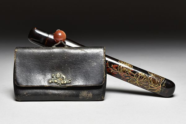 A black lacquered kiseru (tobacco pipe) case and leather pouch -Japan - Late 19th/early 20th century