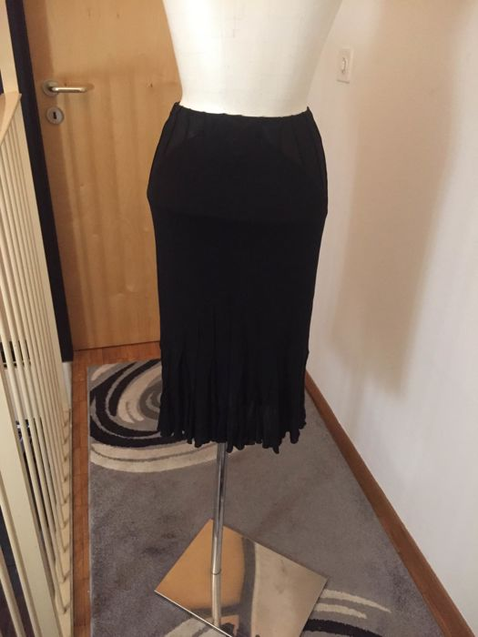 YSL ( Yves Saint Laurent) skirt *** no reserve price***