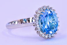 3.91 Ct Swiss Topaz and Diamonds rosette ring in 18kt gold ***NO RESERVE price***