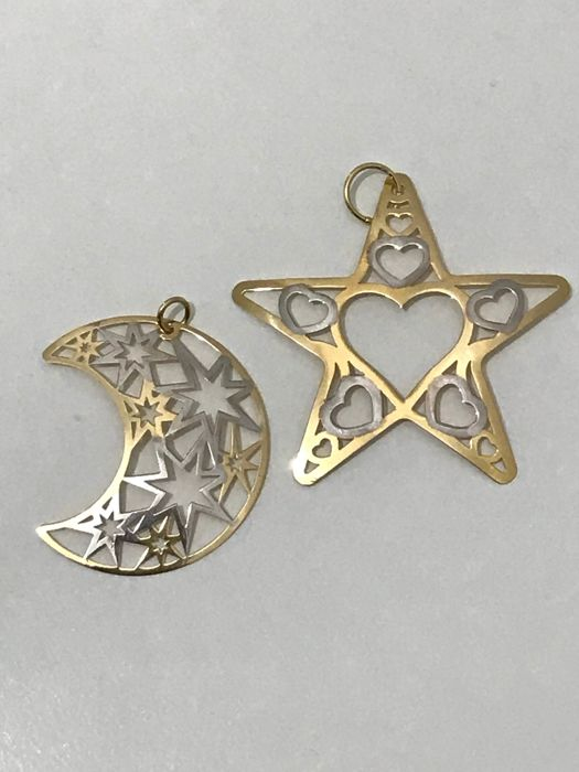 18 kt gold star and moon pendant, 4.20 g in total