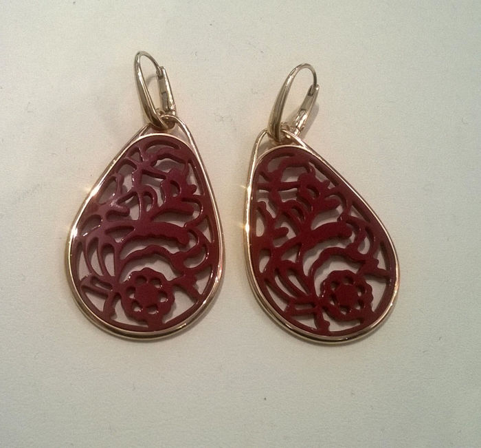 Pomellato - Rose gold Victoria earrings and red rhodoid