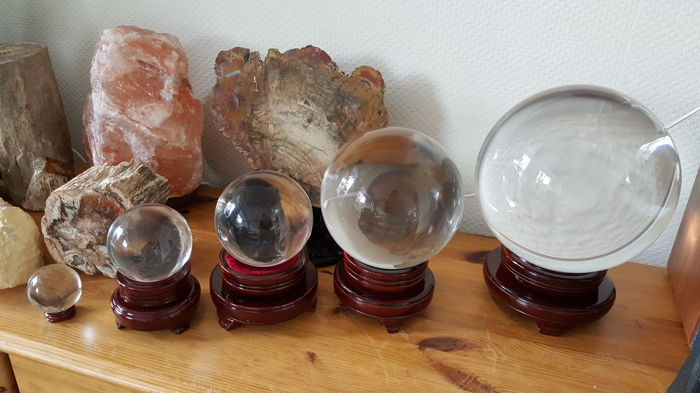 Truly magnificent set of 5 rock-crystal quartz spheres - 16300 grams (5)