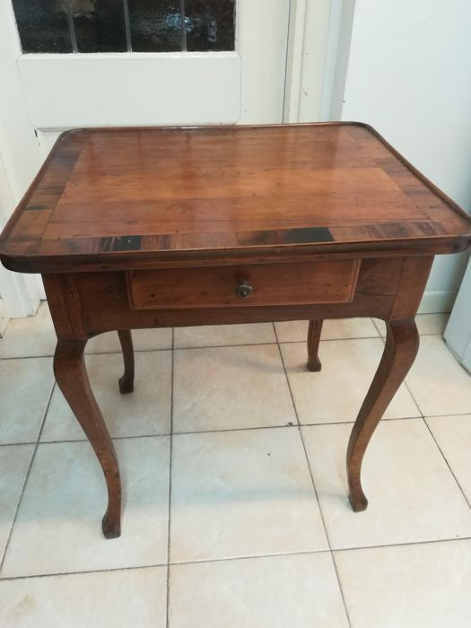 Writing desk veneered in walnut - Emilia-Tuscany - late 19th century
