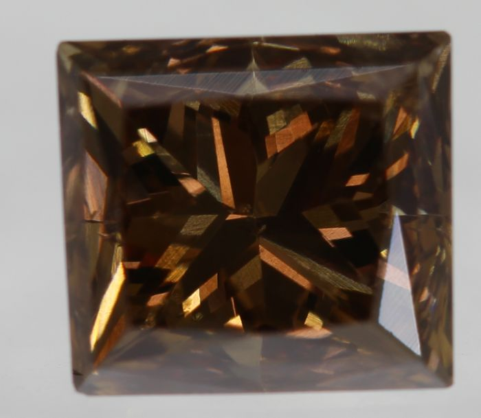 Natural Diamond, 1.18 Carat, Fancy Vivid Reddish Brown Colour, VS1 Clarity - DG2658