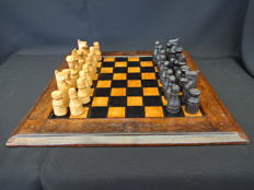 Complete leather chess set with matching chessboard