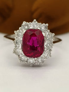 Certified: 18kt cocktail ring with Ruby & diamonds, 3.36 ct --- No Reserve Price !!!