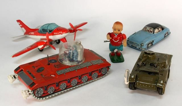 Joustra / Joja /  France - plane + Mercedes car + special car + tank N°10 Chad + football player - mechanical key /batteries, 1960/1970