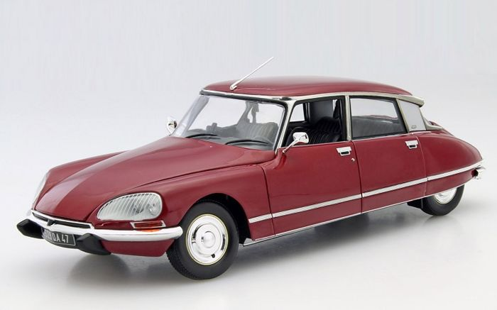 Norev - Scale 1/18 - Citroën DS 23 Pallas 1973 - Red