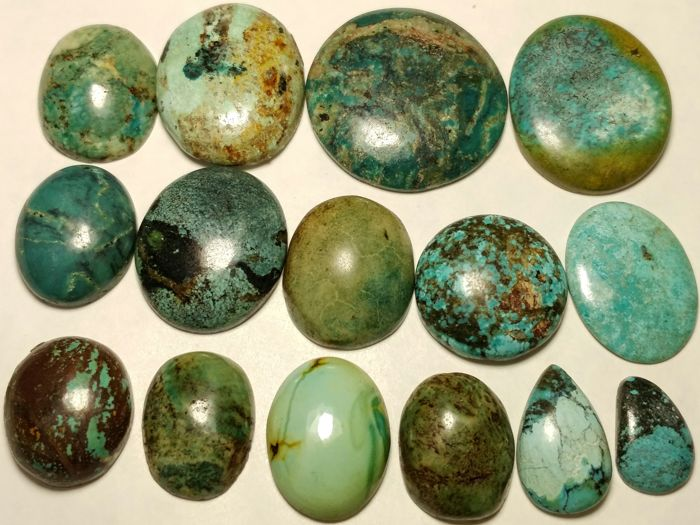 Tibet turquoise cabochons - 330 cts