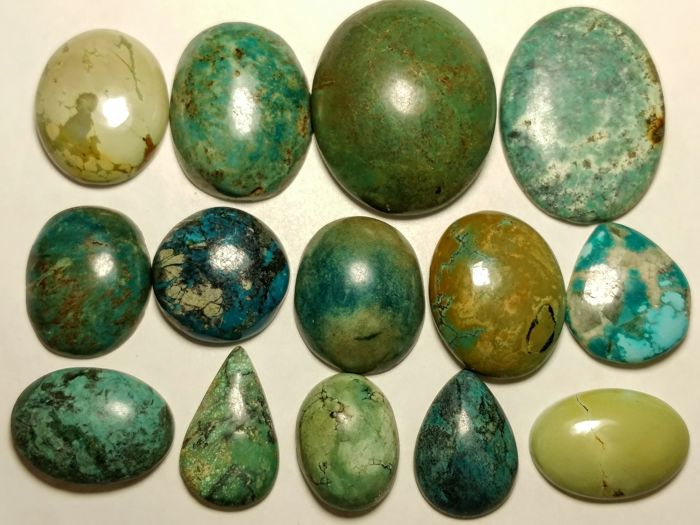Tibet turquoise cabochons - 326 cts