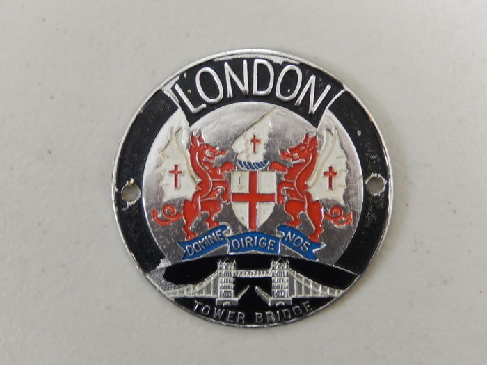 Very Nice Original Aluminium London Tower Bridge Car Badge Auto Emblem