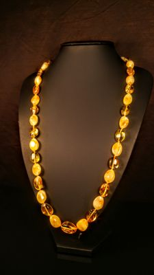 Long Egg yolk and Lemon- Gold colour Baltic amber necklace, length ca. 70 cm