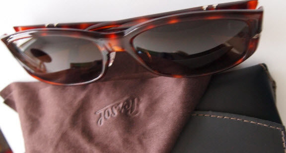 95acc841a4eb5 Persol - Dames Sunglasses. Lot reference 16614635