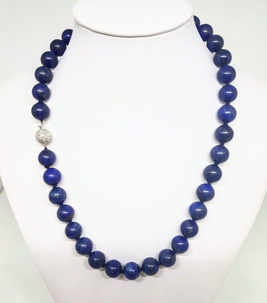 Lapis lazuli necklace with 585/1000 white gold clasp with diamonds - Length: 45 cm