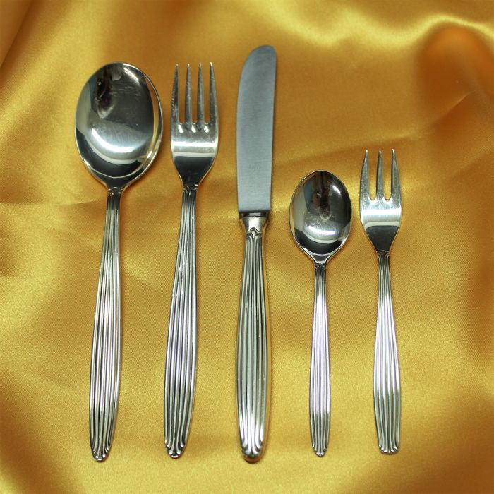 Beautiful silver-plated cutlery by BMF - Art Nouveau decor - 68 pieces - complete for 12 persons - 90s edition
