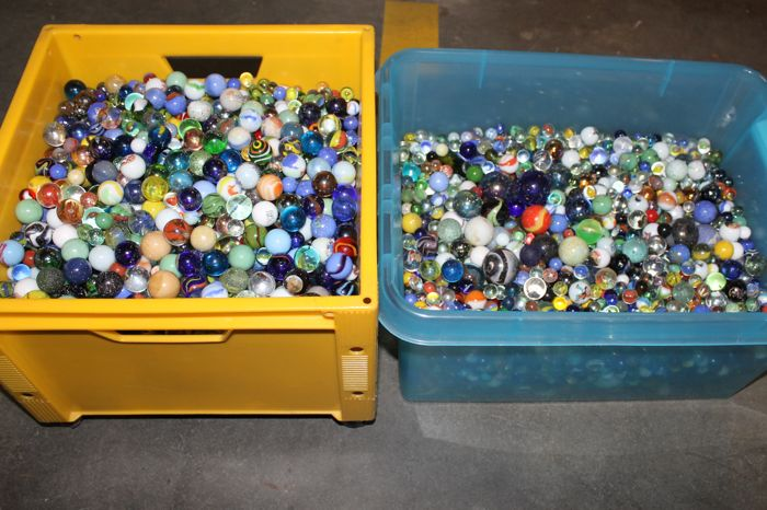 Very large collection of Dutch glass marbles - 57 kg
