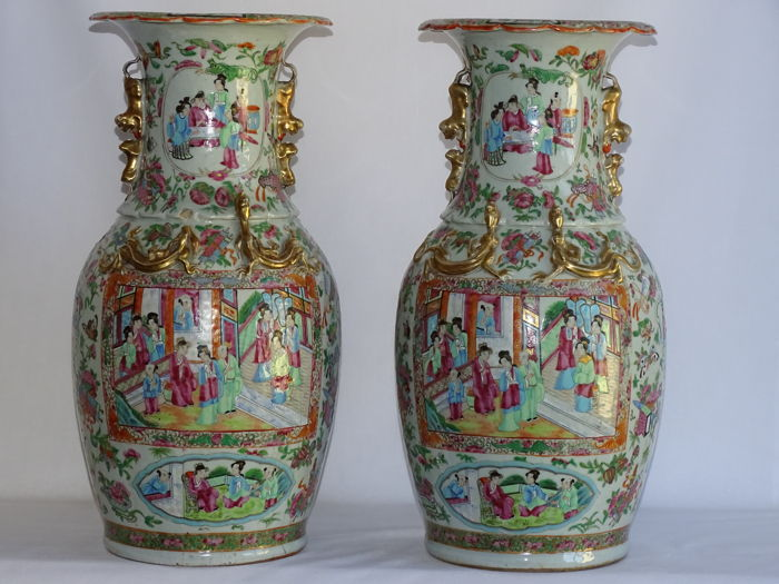 Pair  Chinese Rose Medallion Vases 44,5 cm - China - Mid 19th Century