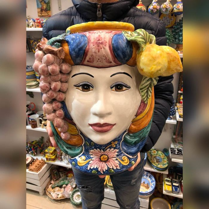 Fine Caltagirone ceramic Moorish Head, Height 38 cm, made and decorated by hand, enriched with citrus fruit