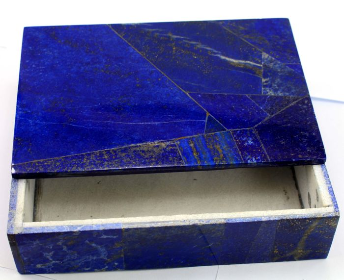 Hand Crafted Royal blue Lapis Lazuli Box- 150 x 100 x 41 mm - 750 gm