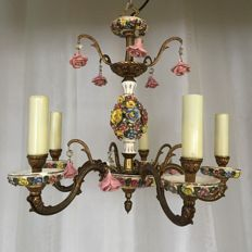 Capodimonte style Italian Porcelain and gilded romantic chandelier with lots of roses, Italya, mid 20th century