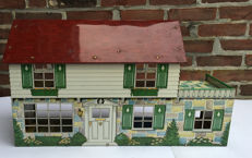 Original Marx Tin Doll House, beautiful prints on exterior and interior. Marx New York, tin doll house