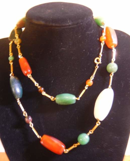 Long necklace of 80 cm, several stones 18 kt yellow gold, 76.65 g