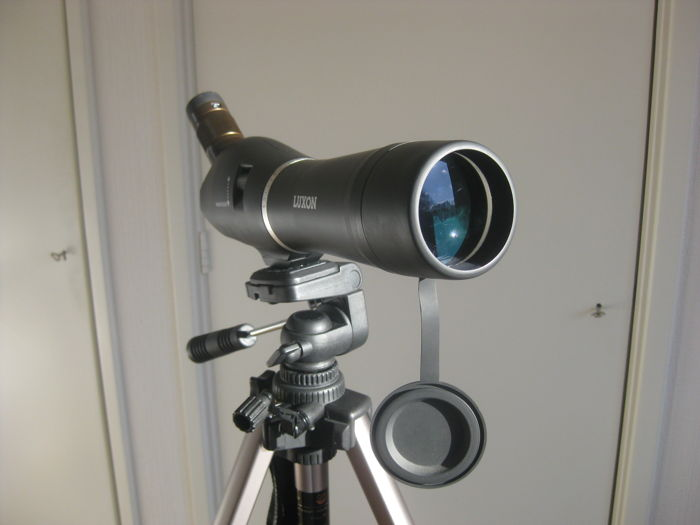 Telescope: LUXON 15 - 45 x 60 with very good tripod brand PHILIPS.