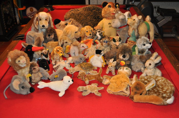 42 Steiff animal collection