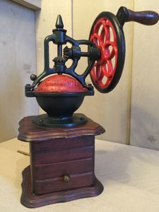 Antique fully cast iron coffee grinder - late 19th early 20th century - presumably Dutch