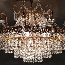 Chandelier of high quality crystal, 2nd half of the 20th century.