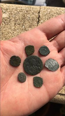 Mints of Italy - (11) Lot of Medieval coins from the Mints of Southern Italy - Aragonese, Swabians, Angevins and Normans - 12th/13th century