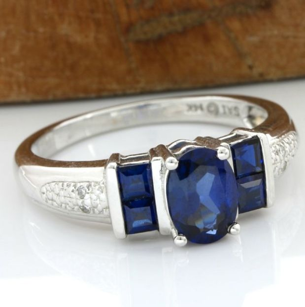 No Reserve Price - 14 kt White Gold 1.75 ct Sapphire, 0.02 ct Diamond Ring Size: 7